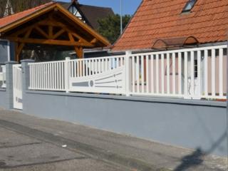 Clôture en aluminium sur mesure avec barreaux